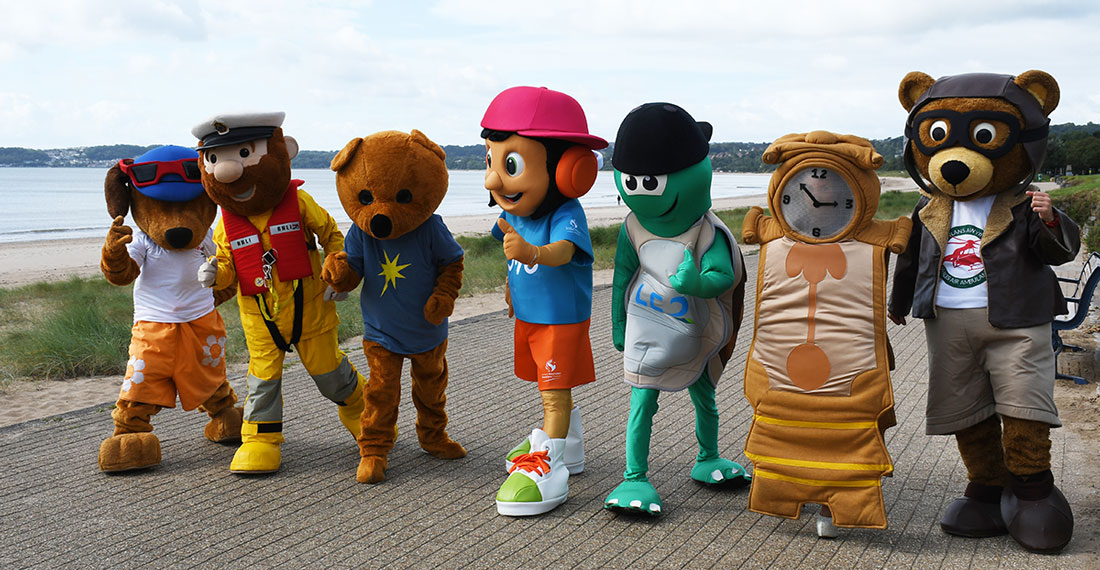 mascots training for the Admiral Swansea Bay 10k